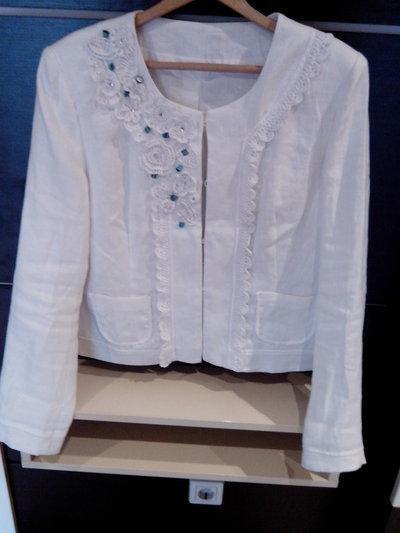 giacca di lino con la decorazione