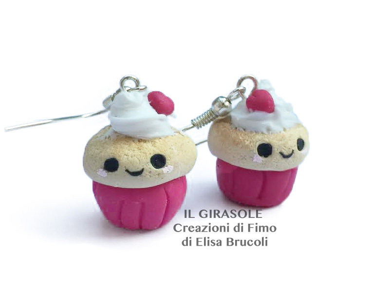 Orecchini pendenti con cupcake kawaii in fimo