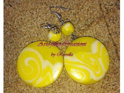 Orecchini cerchio gialli