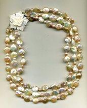 Collana a 3 fili con perle piatte rosa sfumate