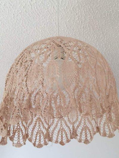lampadario all'uncinetto con porta lampada - Per la casa e per te -...  su MissHobby