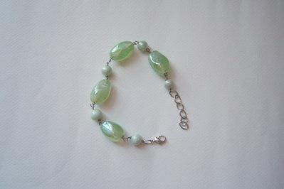 Braccialetto in pietre di vetro color verde acqua