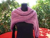 Sciarpa in lana con cappuccio fatta a mano