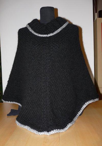Poncho donna in lana fatto mano