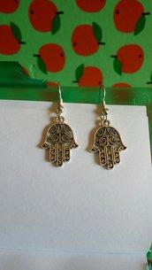 orecchini pendenti con mano di Fatima!