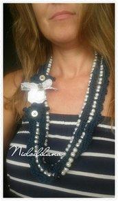 Collana perle e rose bianca e blu