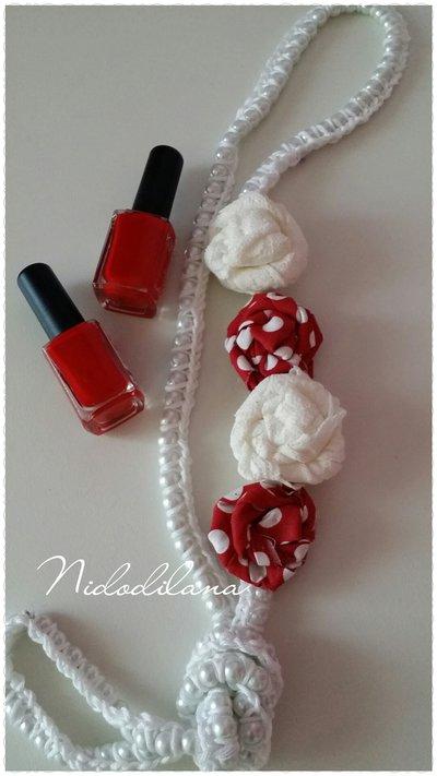 Collana perle e rose bianca e rossa