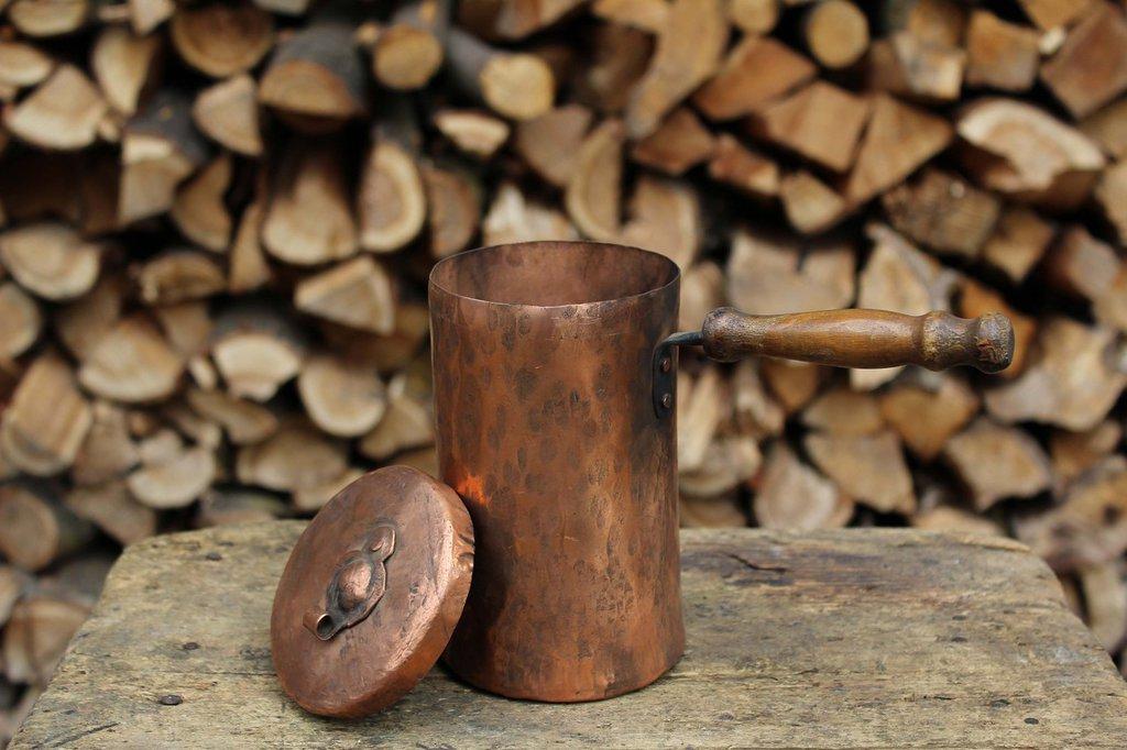 Cioccolatiera recipiente antico in rame fatto a mano