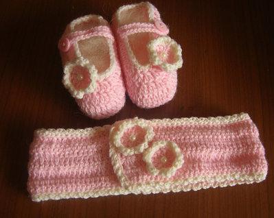 Completo scarpine e fascia per neonato rosa con fiorellini in tinta e perline