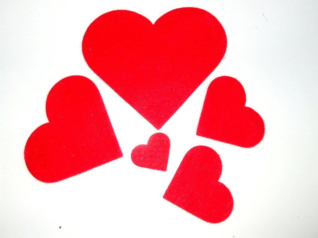 5 cuori feltro di 5 misure rosso