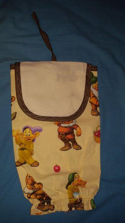 Porta sacchetti da ricamare in tela aida per la casa e per te d su misshobby - Porta sacchetti ...