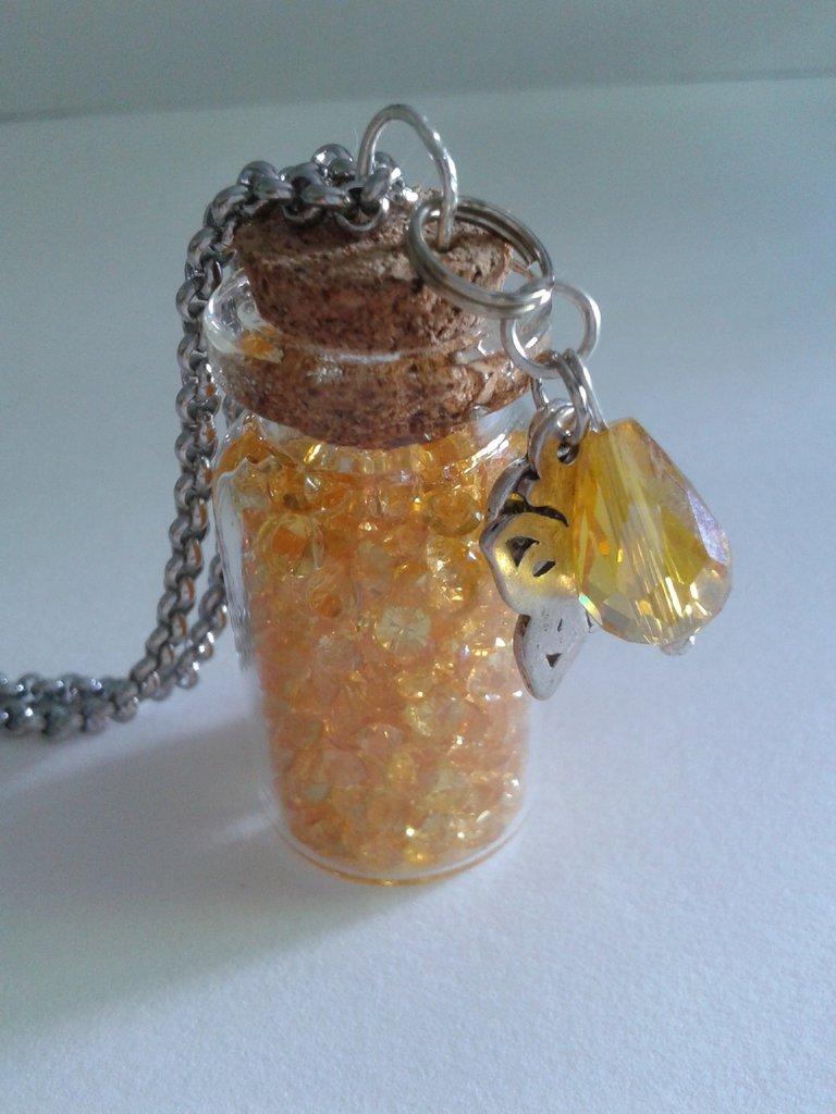 Pozioni magiche - collana con boccetta giallo oro