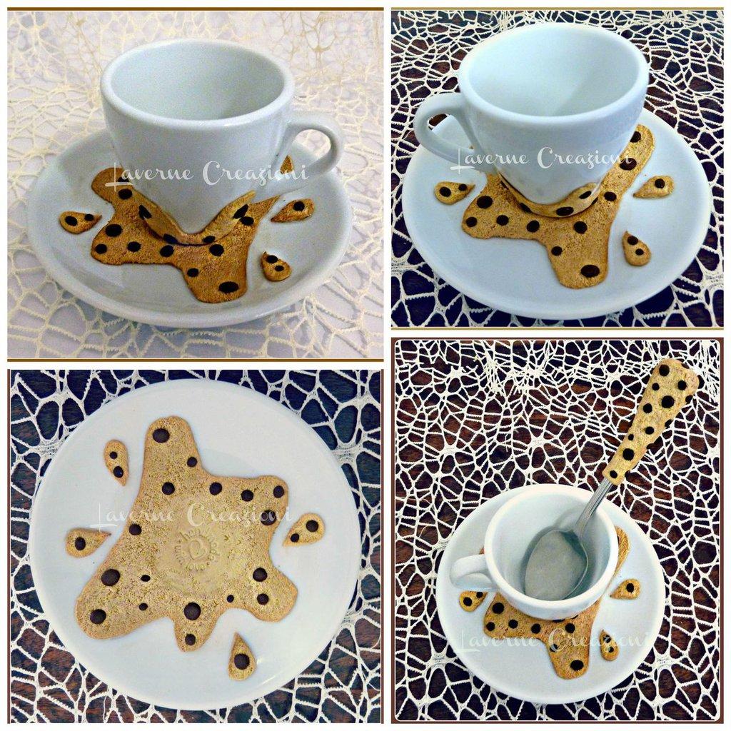 Tazzina e piattino biscotto gocciole