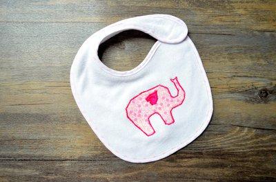 Bavaglino neonata con elefantino