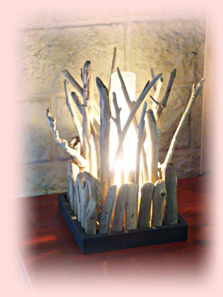 BUISSON lampada da tavolo con legni di mare