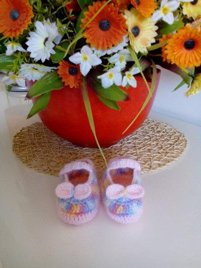 Scarpina neonata fatta a mano realizzata in lana merino multicolor