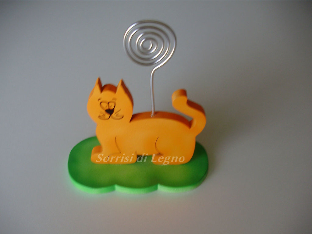 Portafoto in legno a forma di gatto con asticella