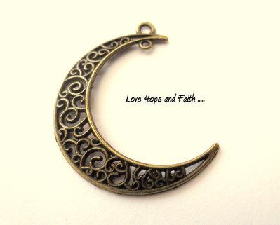 "Charm ciondolo ""Luna bronzo"" (40x30 mm) (cod.0028)"