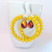 Orecchini a cerchio con cipollotti gialli e goccia incastonata color ambra