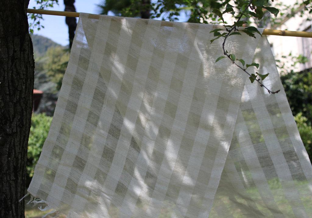 Cotone biologico e canapa,tessuto fatto a mano