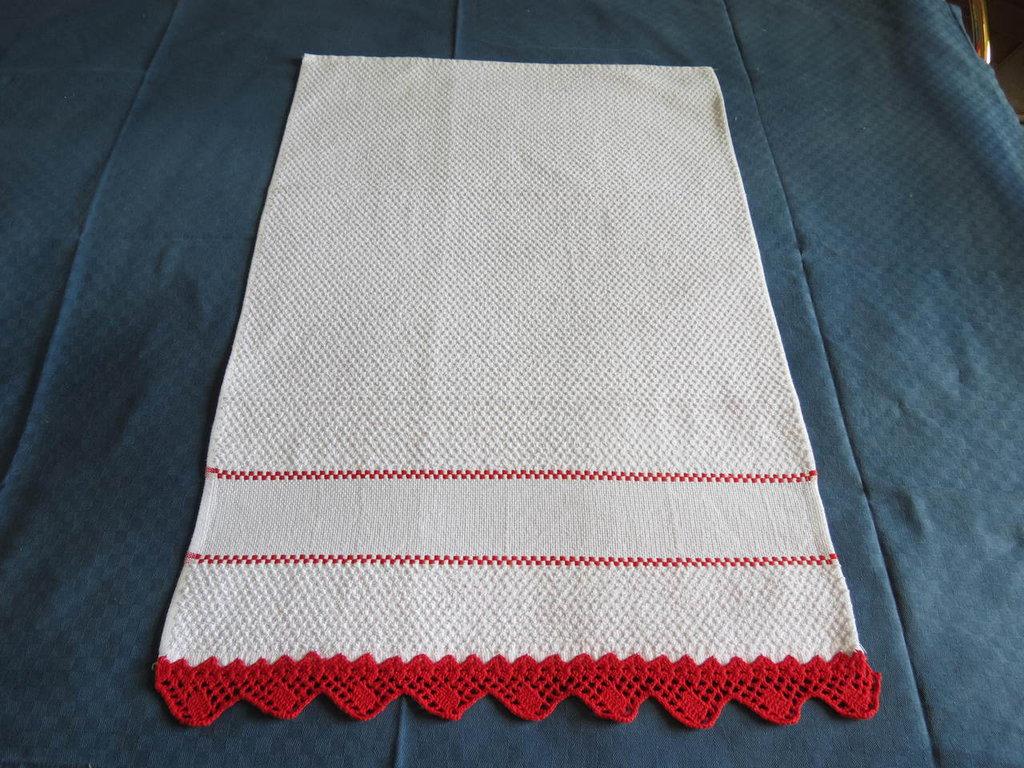 Asciugamani da cucina con bordo a uncinetto