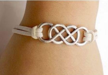 Bracciale con simbolo infinito doppio idea regalo natale per lei