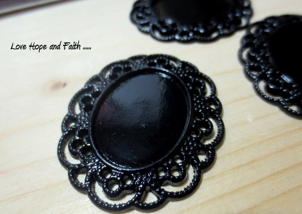 Base porta cabochon color nero (4x3,5cm adatto 25x19) (cod.21709)