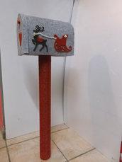 Cassetta della posta in feltro con renna e slitta