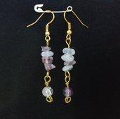 Orecchini dorati con pietre dure e perle in vetro crackle