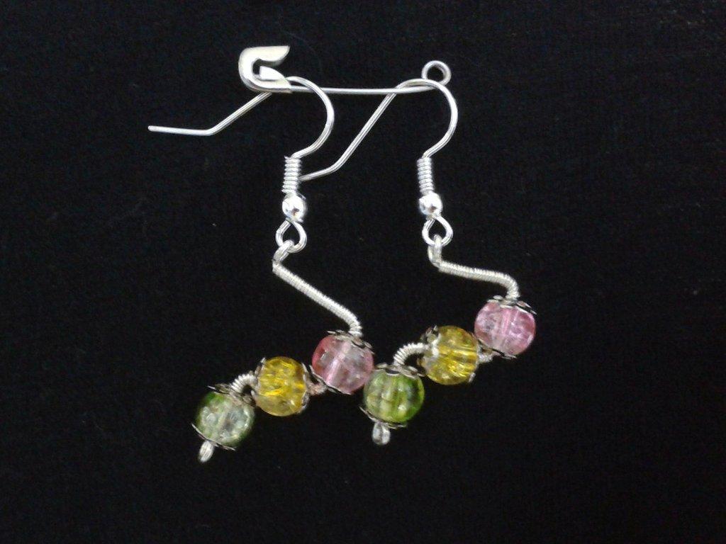 Orecchini con perle in vetro crackle