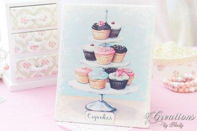 Quadretto Decoupato con Alzatina e Cupcake