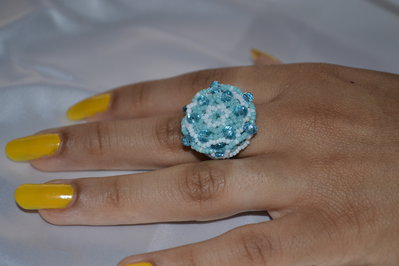 Anelli con perline di vetro, mezzi cristalli e Swarovski