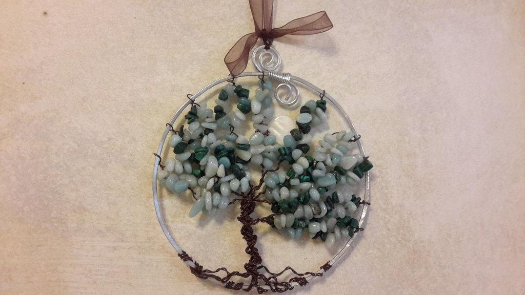 Quadretto con albero della vita wire, realizzato con chips di amazzonite, cm 12