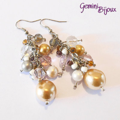 Orecchini grappolo di perle colorate