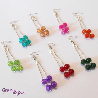 Orecchini su catena cobra con perle crackle colorate