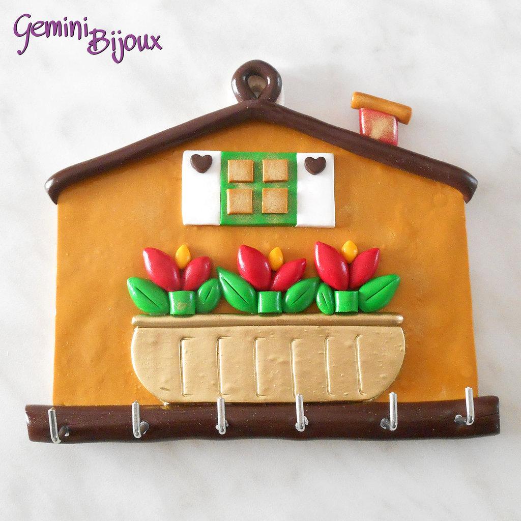 Ben noto Casetta appendi chiavi fatto a mano in fimo e legno - Per la casa  QR02