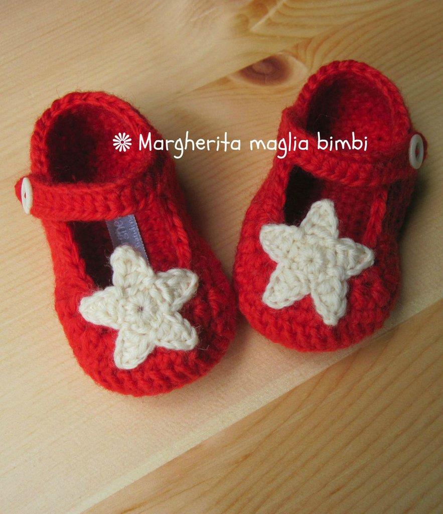 Scarpine ballerine rosse con stella fatte mano all'uncinetto in pura lana