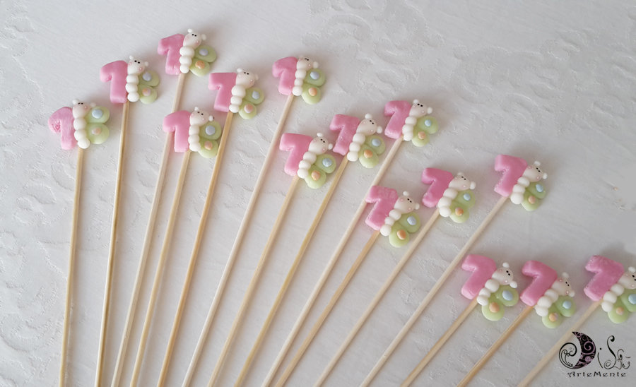 Spiedini di caramelle decorati per caramellate