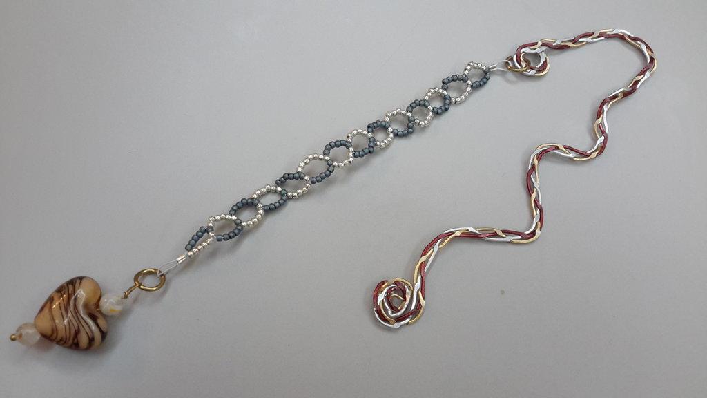 Segnalibro wire con perline rocailles toho e cuore in vetro tigrato