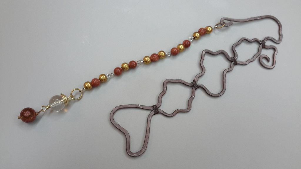 Segnalibri wire con pietra del sole e cristallo di rocca