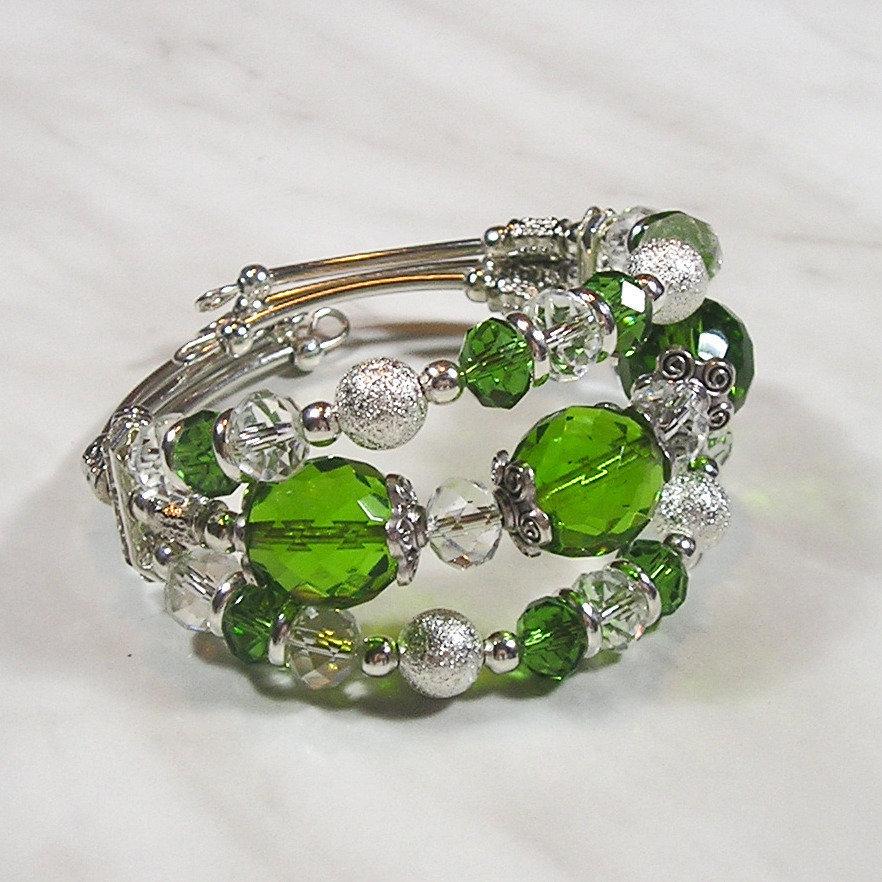 Bracciale rigido a tre file verde e argento