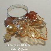 Anello regolabile Autunno con foglia arancione e perline