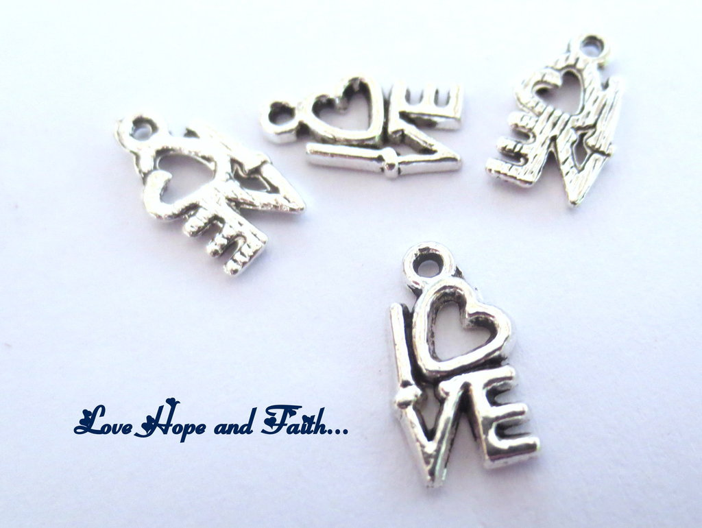 "Charm ciondolo  ""Love"" (17x12mm) (cod.23327)"