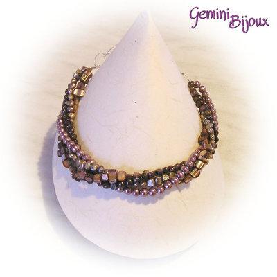Collana a tre file con perle in vetro, perle di fiume e madreperla