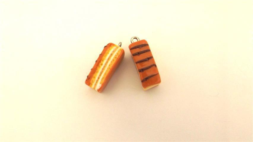 UN CIONDOLO FIMO - merendina snack brioss - realistica kawaii per orecchini braccialetti portachiavi collane e anelli