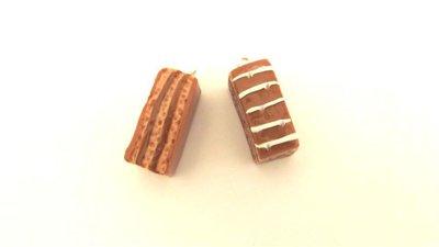 UN CIONDOLO FIMO - merendina colazione piu cioccolato   - realistica kawaii per orecchini braccialetti portachiavi collane e anelli