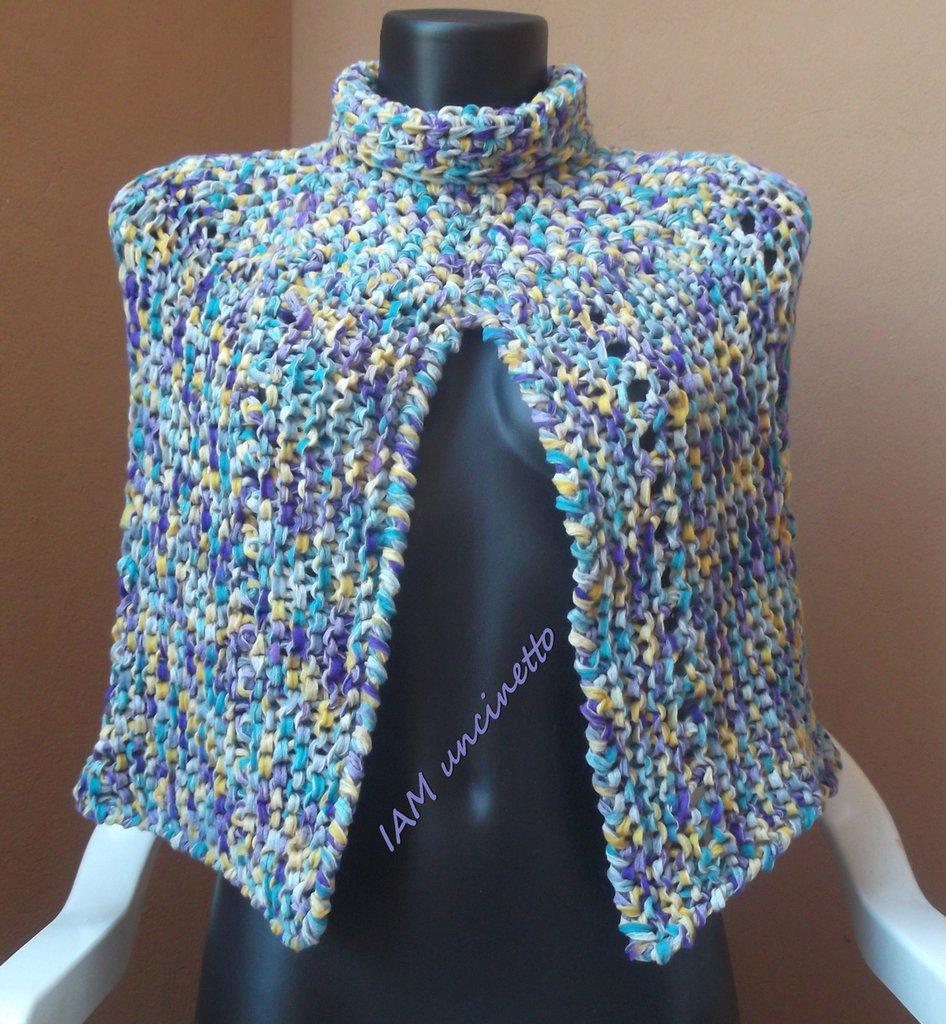 Mantellina coprispalle fettuccina misto lana multicolore ai ferri e uncinetto
