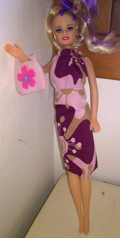 abito con borsetta per barbie