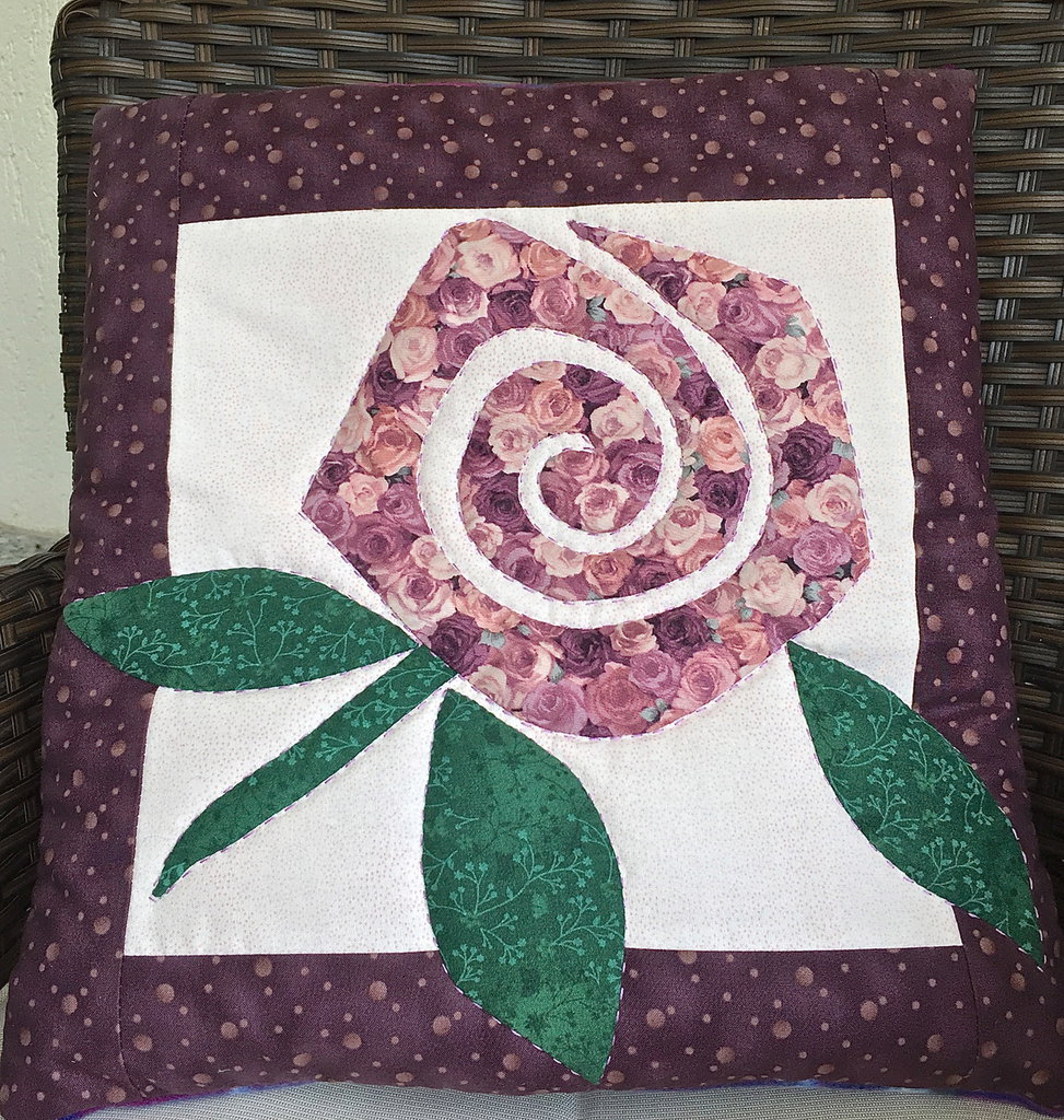 cuscino quillow fiori - un cuscino con dentro un plaid