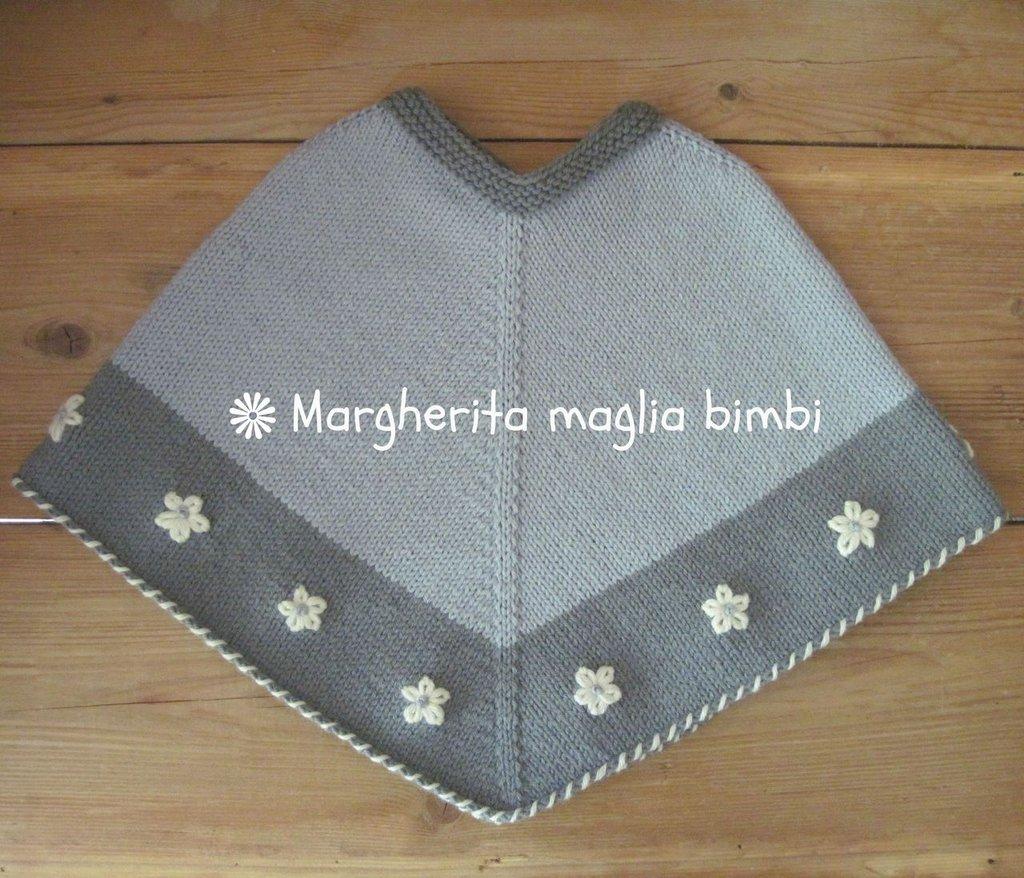 Poncho bambina color lavanda in pura lana e alpaca anallergica fatto a mano